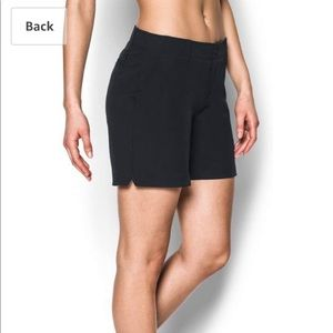 Under Armour • Women's Chino Short in Black